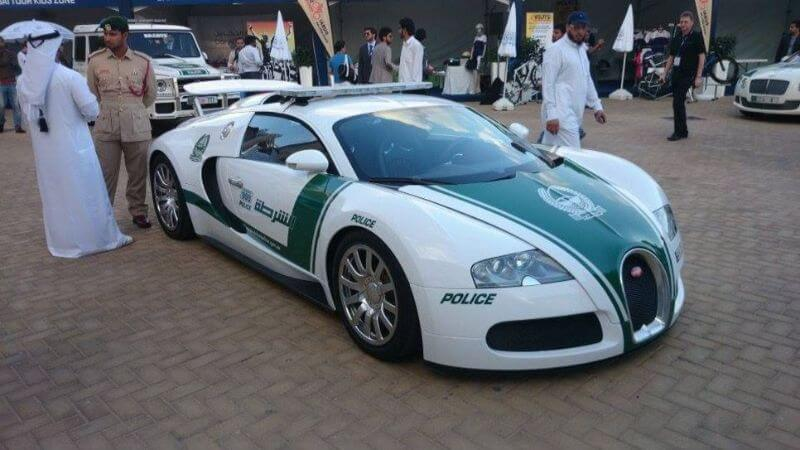 Coche de policía de Dubai Bugatti Veyron