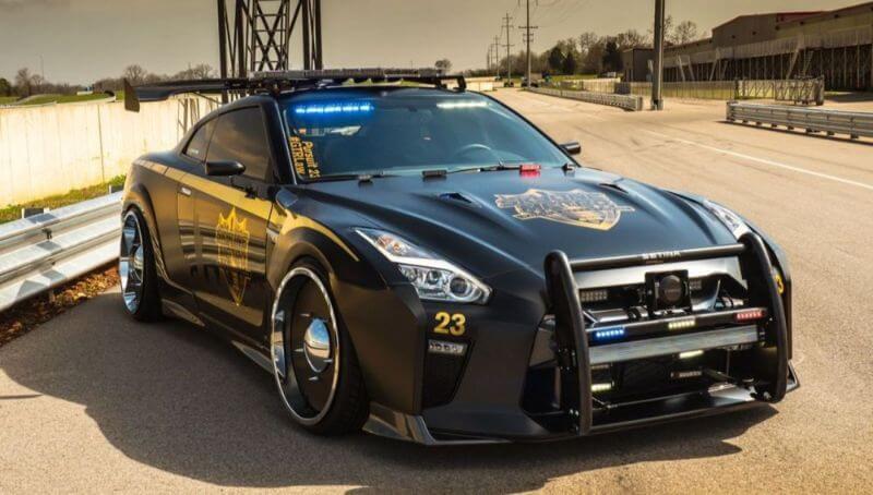 Coche de policía de estados unidos Nissan GT R