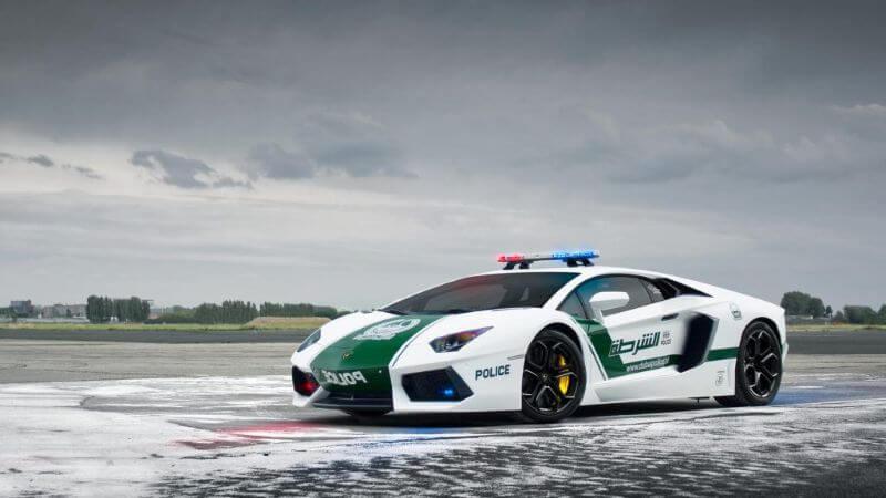 Lamborghini Aventador policía de Dubái