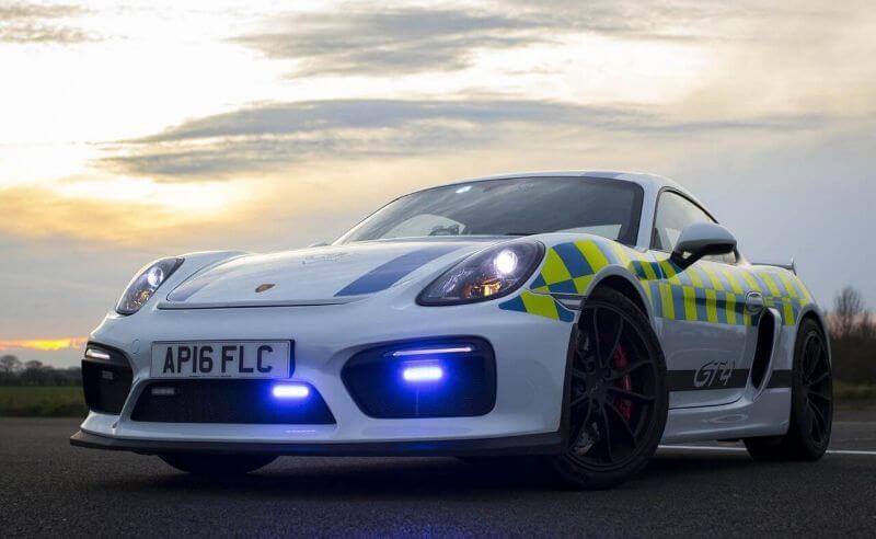 coche de policía del Reino Unido Porsche Cayman GT4